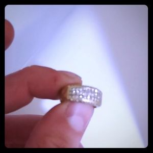 18K and over 50 diamonds 2 C / t ring